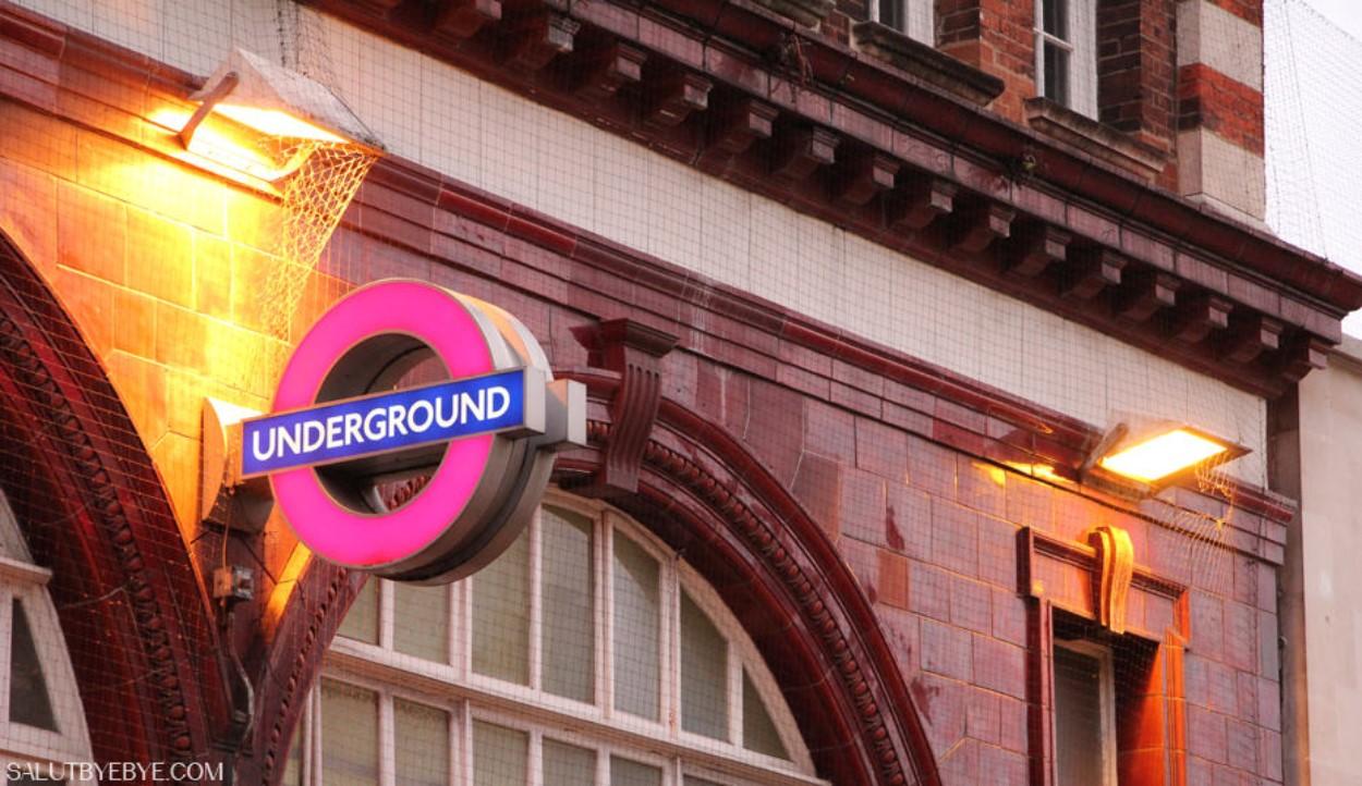 Entrée du métro de Londres