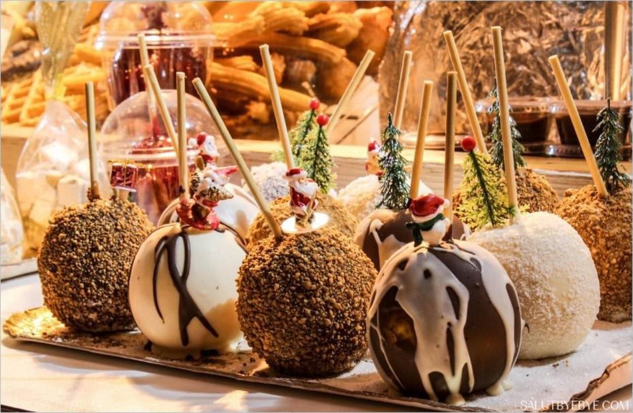 Noël à Paris - Pommes d'amour au Marché de Noël