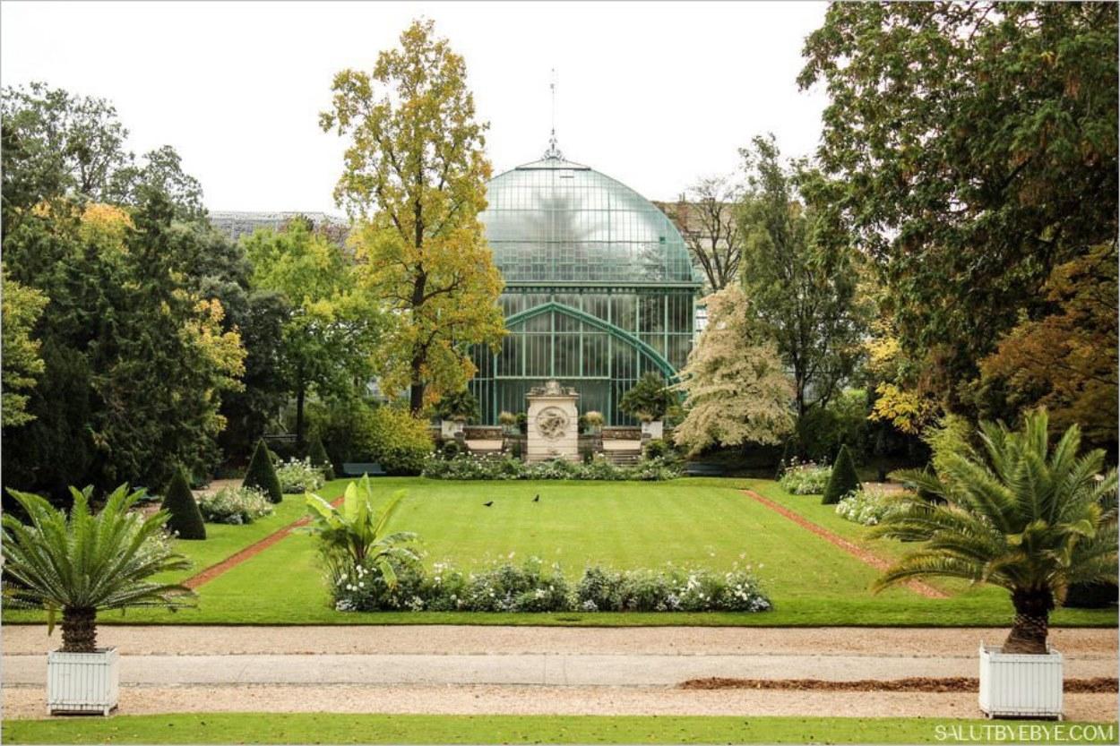 La grande serre et le jardin français
