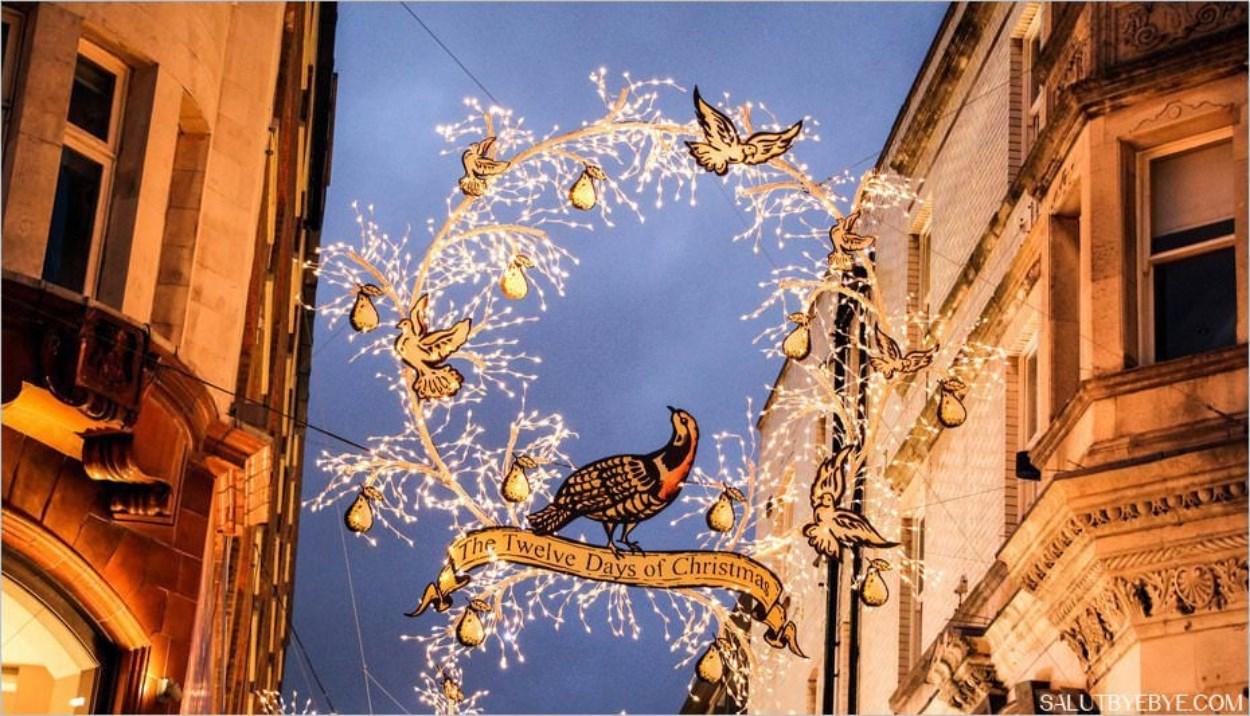 Décorations de Noël à Londres - St Martin's Courtyard