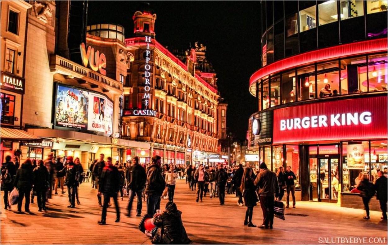 Leicester Square et son Burger King à Londres