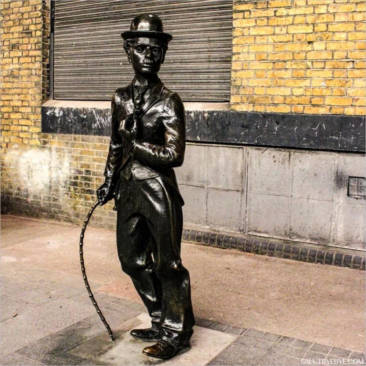 Statue de Charlie Chaplin à Londres