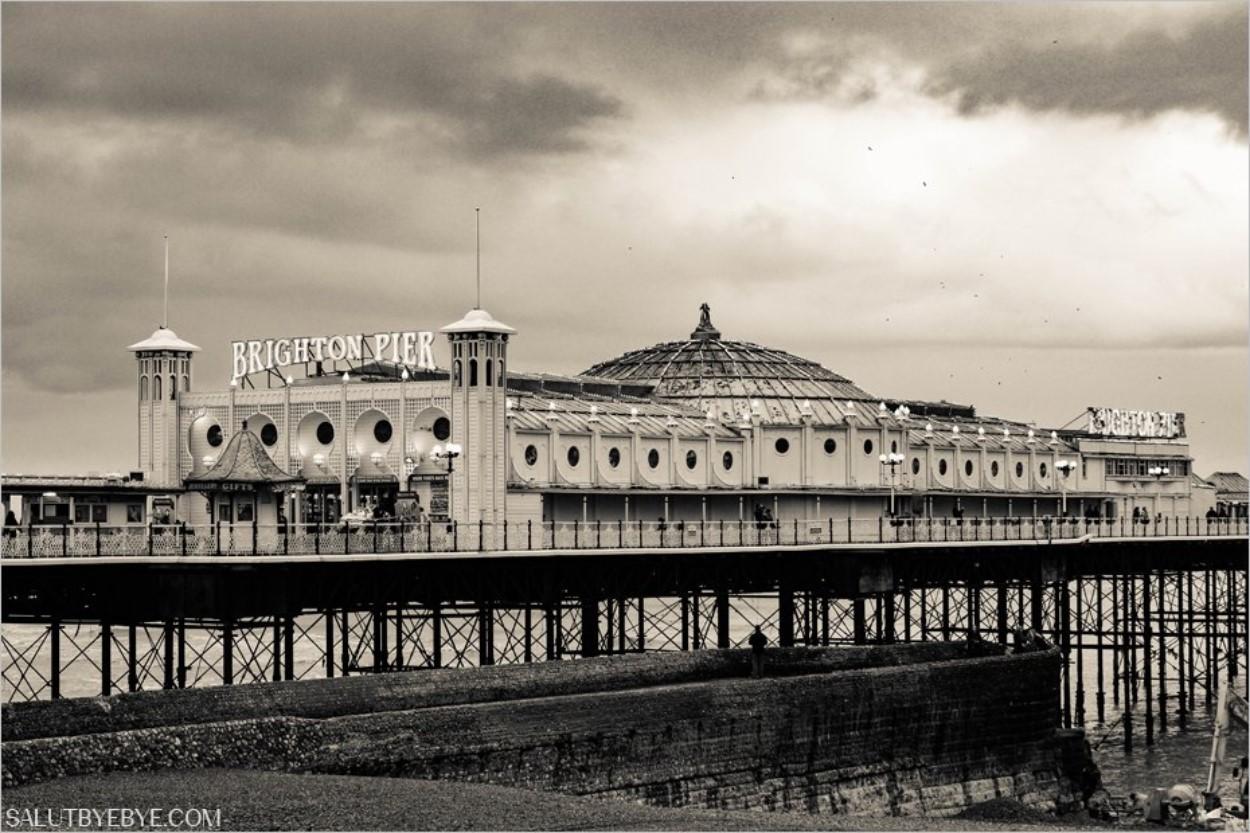 Le Brighton Pier à Brighton en Angleterre