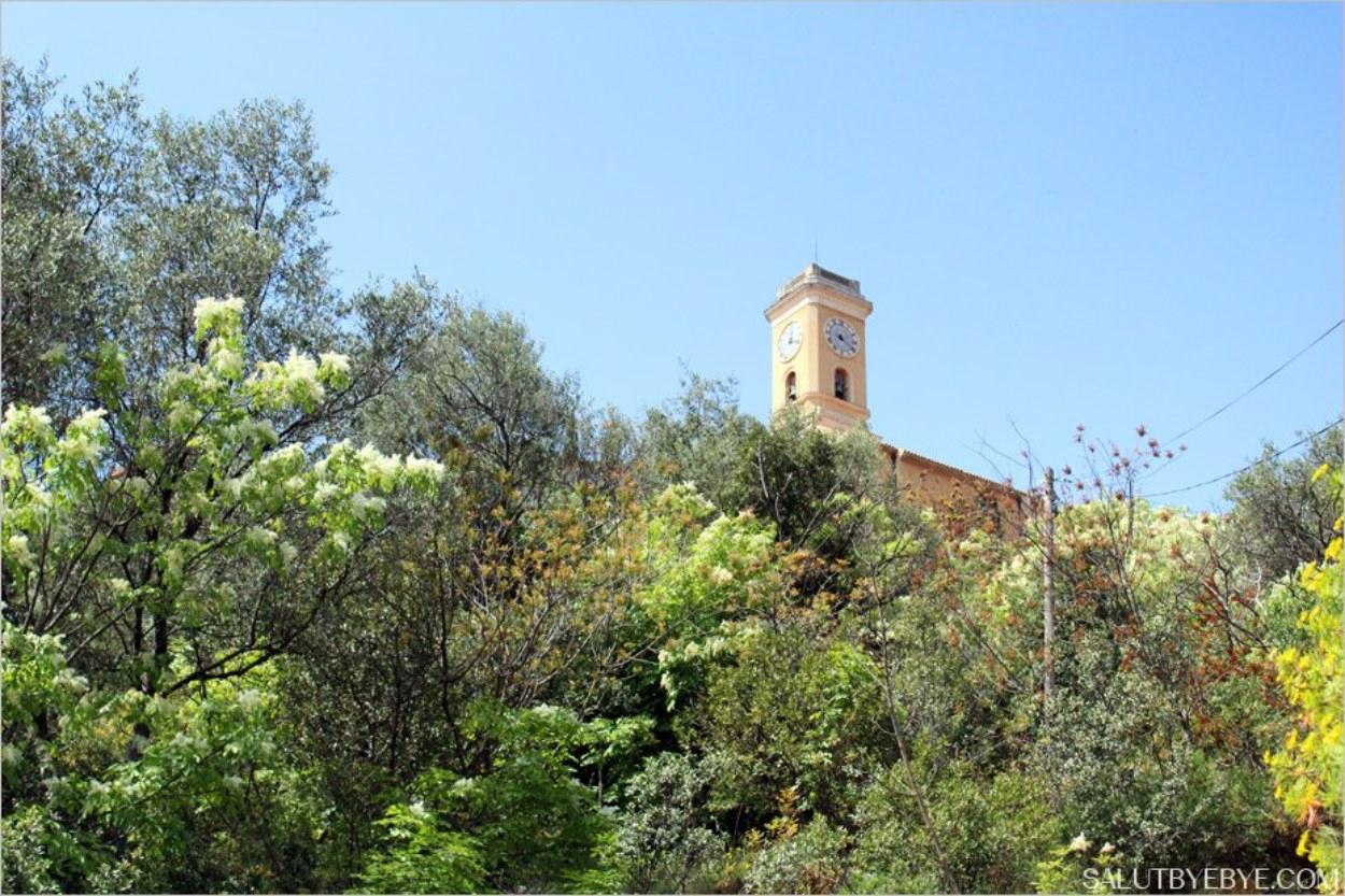 Le clocher de l'église Notre-Dame de l'Assomption à Eze Village