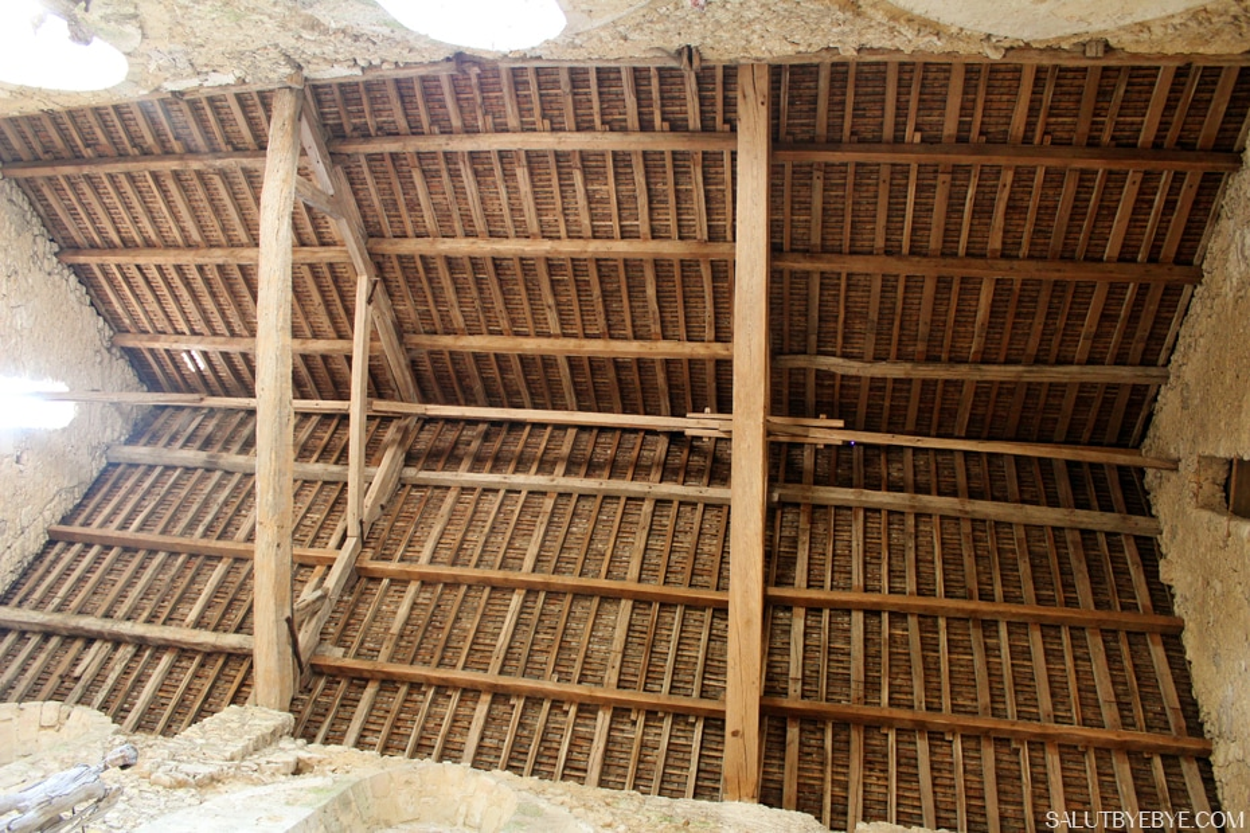 Charpente de l'église romane de Pont Loup à Moret sur Loing