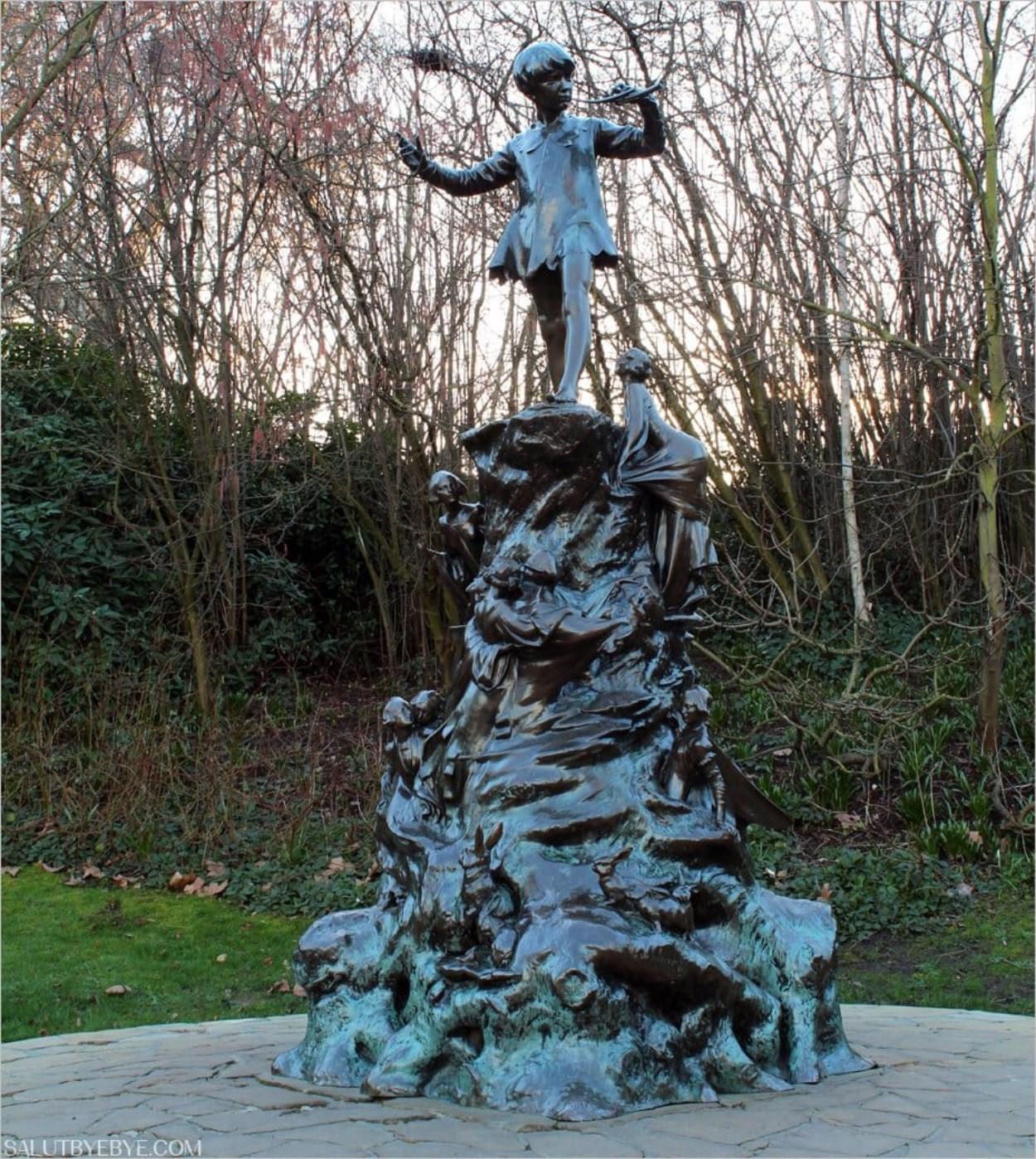 Statue de Peter Pan dans les Jardins de Kensington