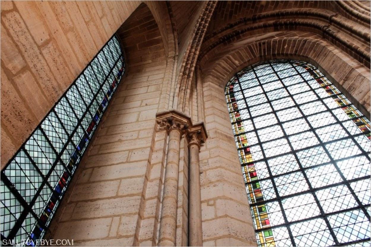 Cathédrale Notre Dame de Paris - La boutique de souvenirs de la Tour Nord