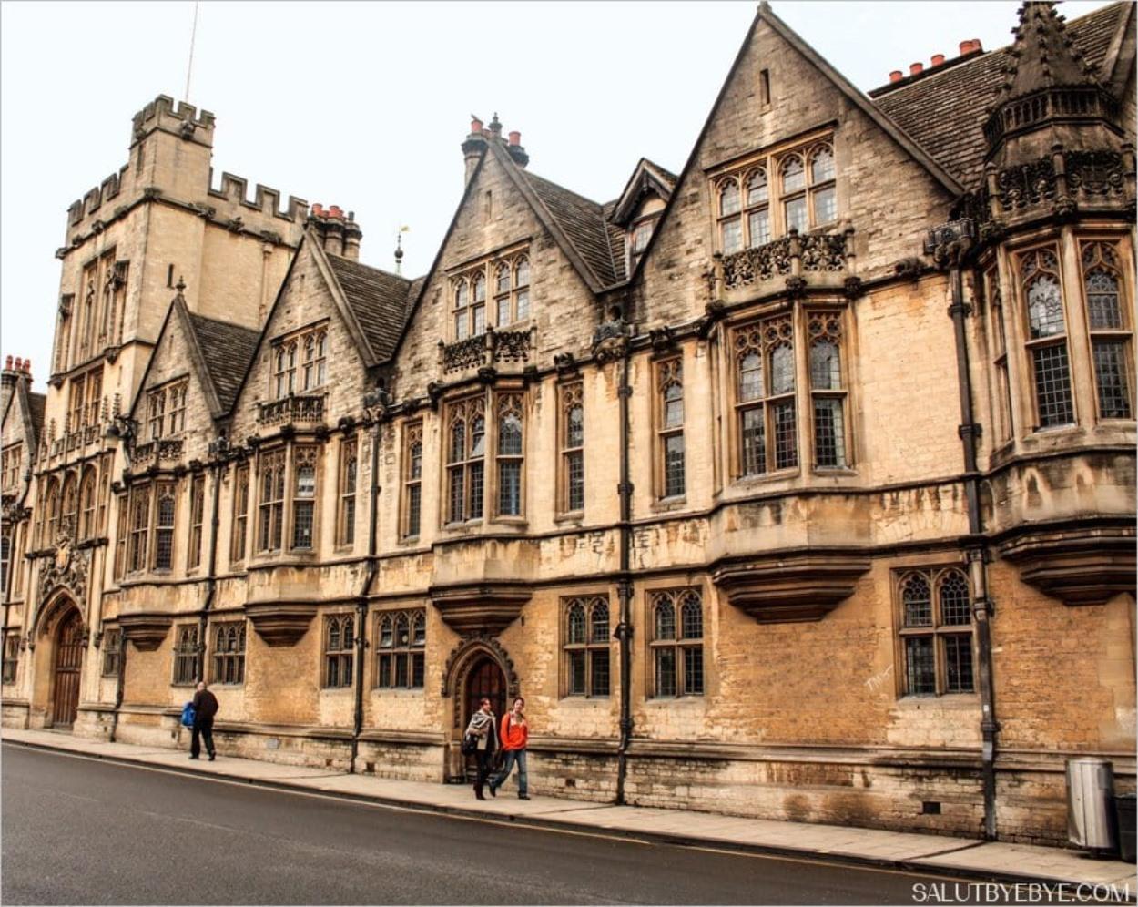 Dans les rues d'Oxford en Angleterre