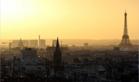 Le Parc de Belleville : une vue jolie et méconnue sur Paris de nuit