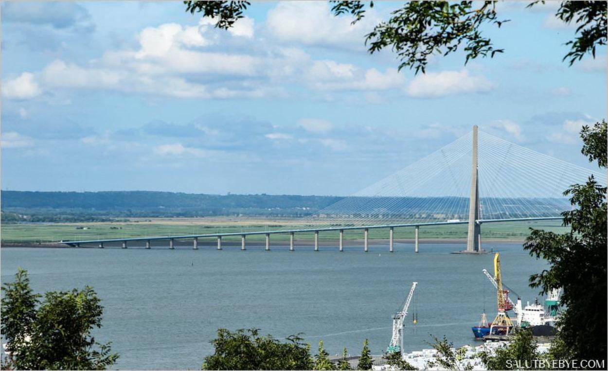Le pont de Normandie vu depuis la Côte de Grâce à Honfleur