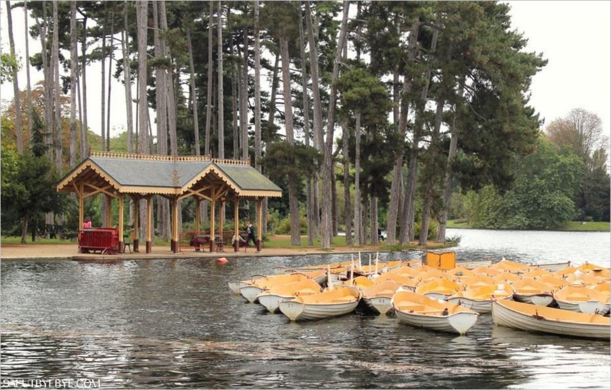 Barques sur le Lac Inférieur du Bois de Boulogne