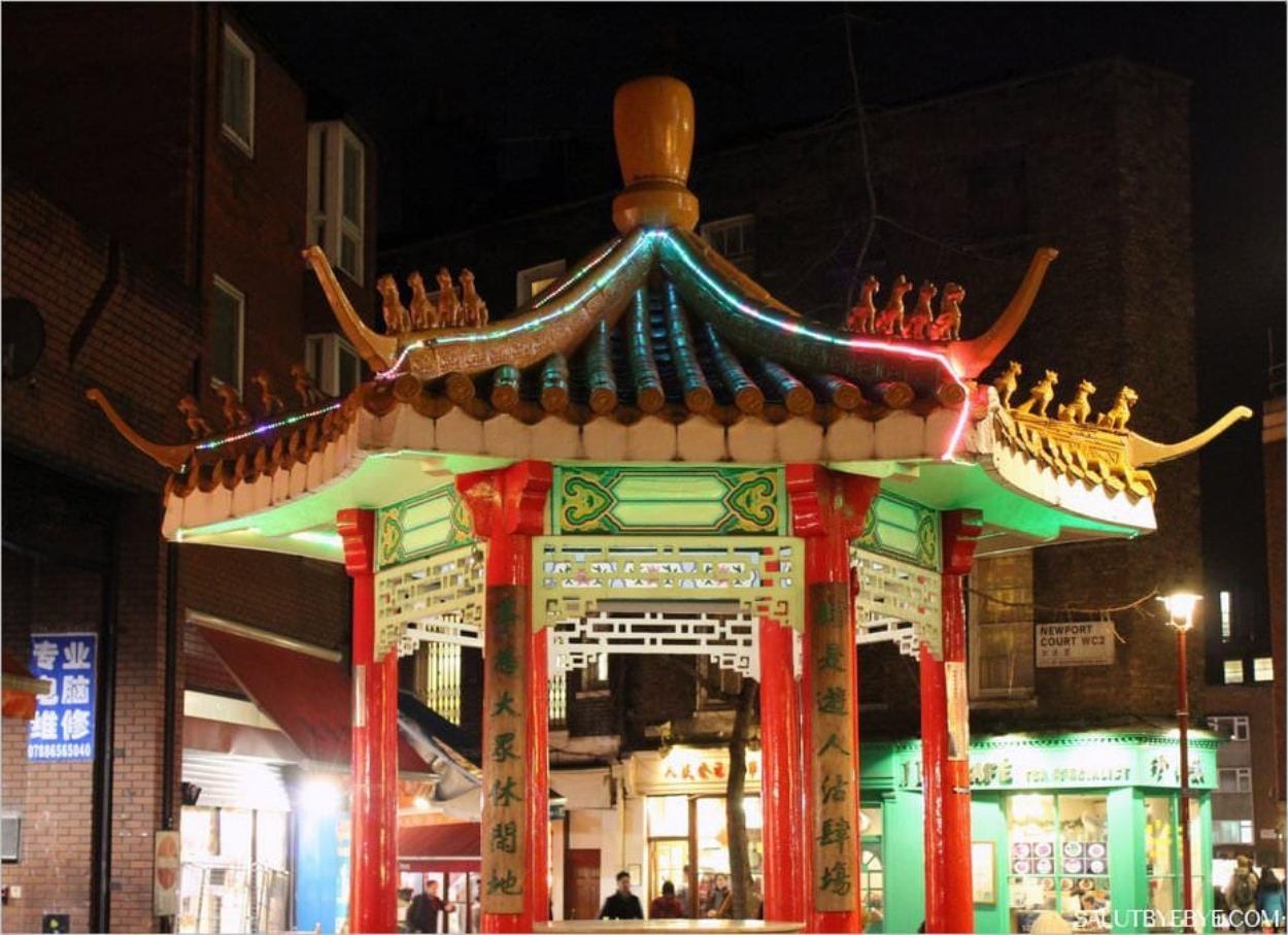 Une pagode dans le quartier chinois