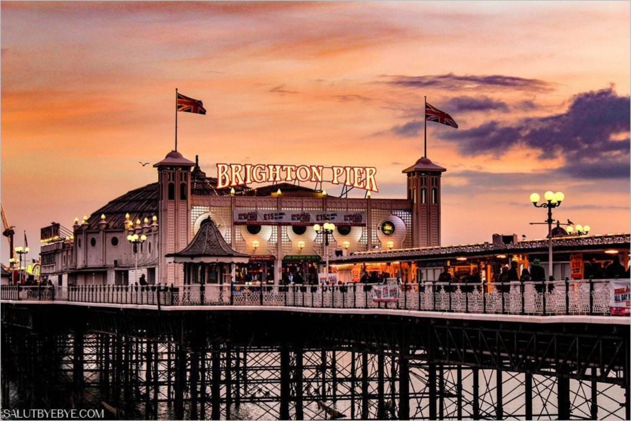 Brighton Pier au coucher du soleil