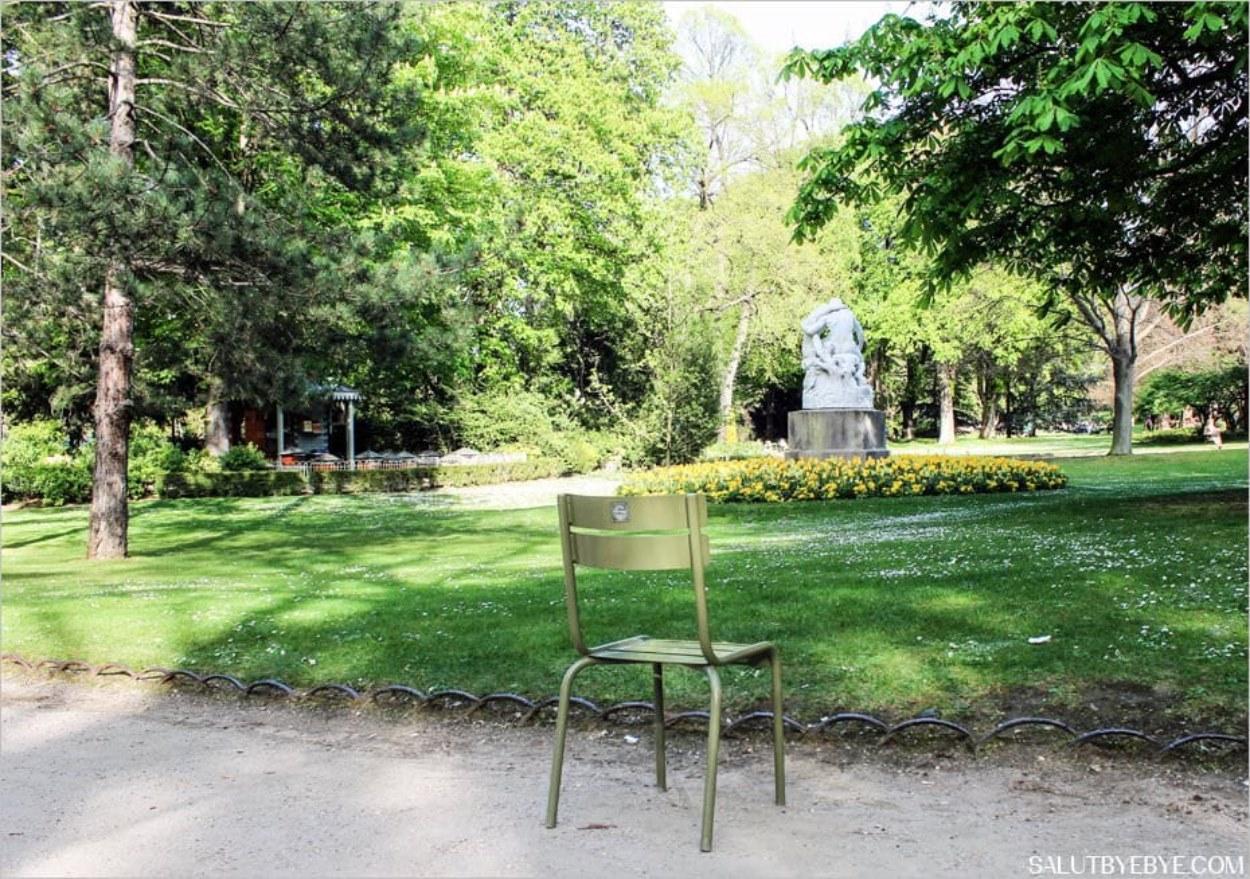 Le jardin du Luxembourg et ses chaises
