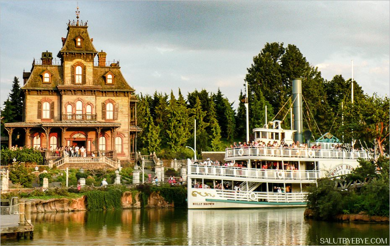 Disneyland Paris - Phantom Manor