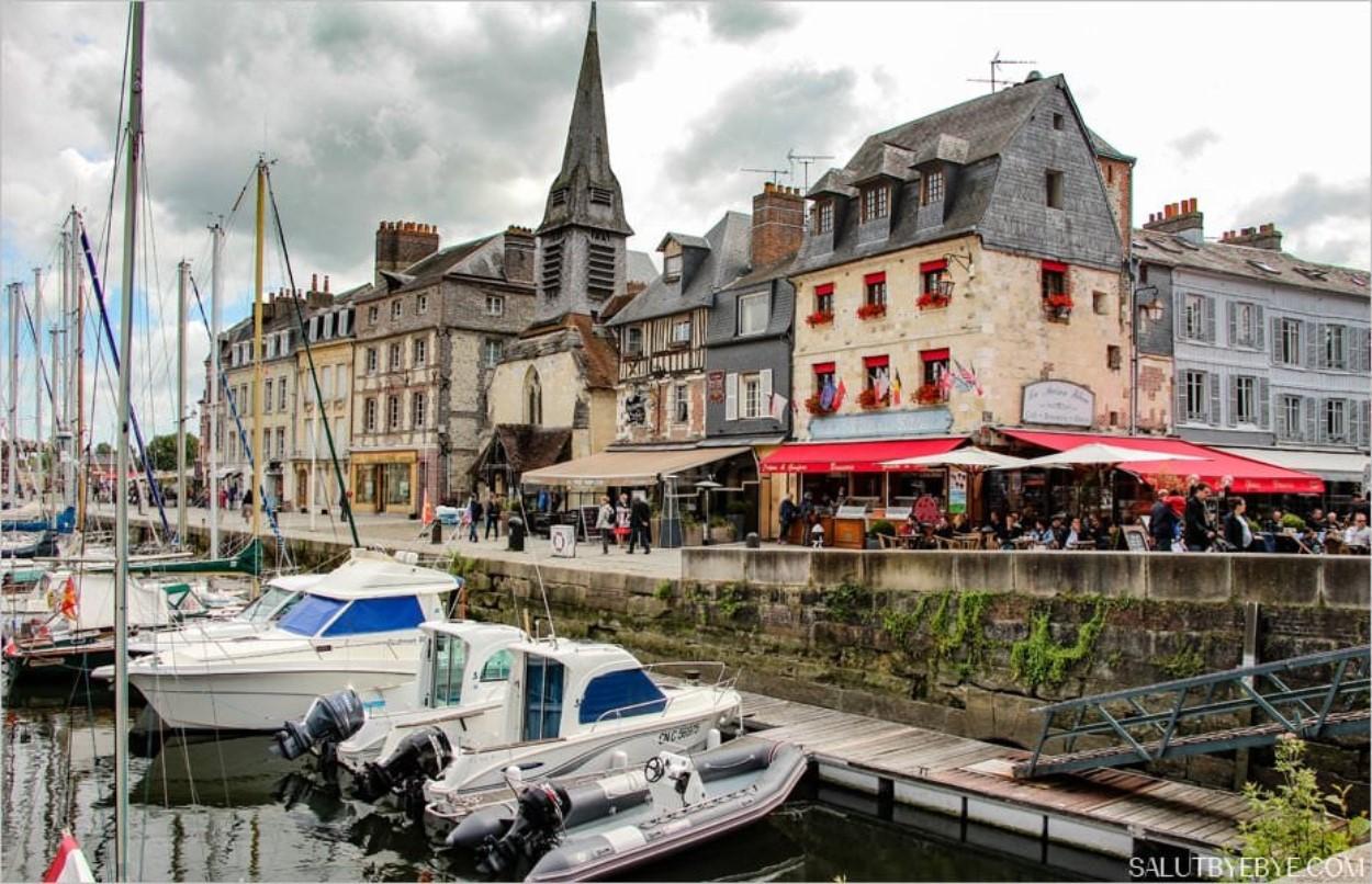 Le Vieux Bassin de Honfleur en Normandie