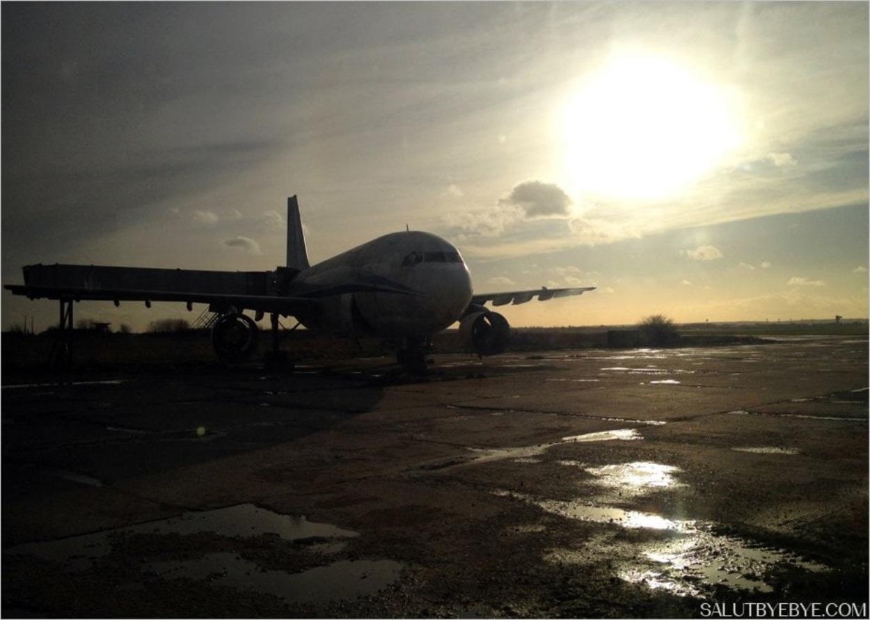 Avion pour l'entraînement des pompiers de l'aéroport d'Orly