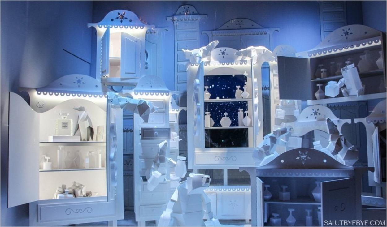 Armoires de papier aux Galeries Lafayette