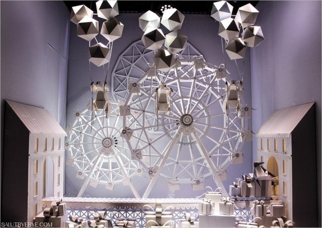 Grande roue en papier aux Galeries Lafayette