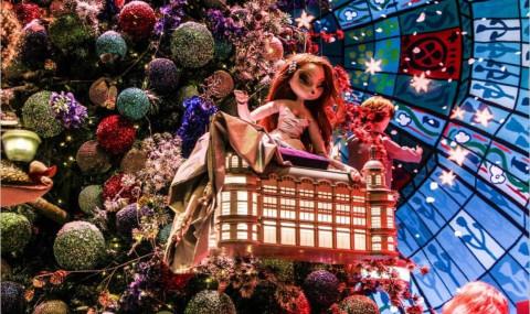 Vitrines de Noël 2016 dans les grands magasins à Paris