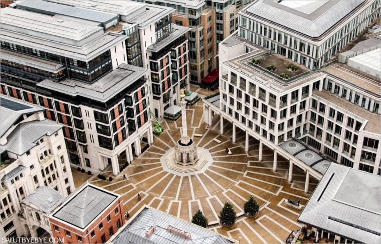 Le Paternoster Square vu depuis Saint Paul