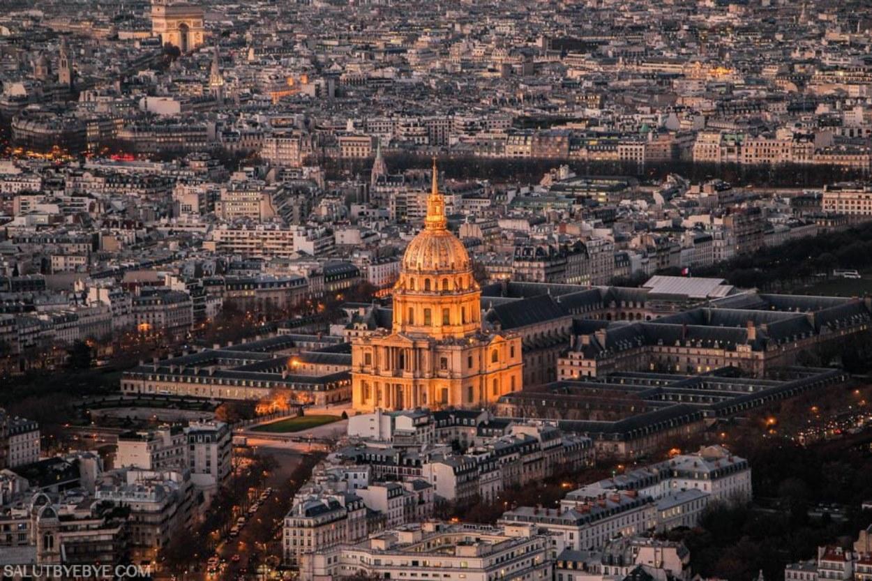 Le Dôme des Invalides et l'Arc de Triomphe
