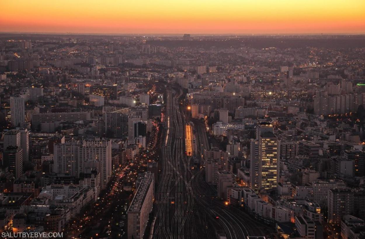 Les voies ferrées quittant la Gare Montparnasse