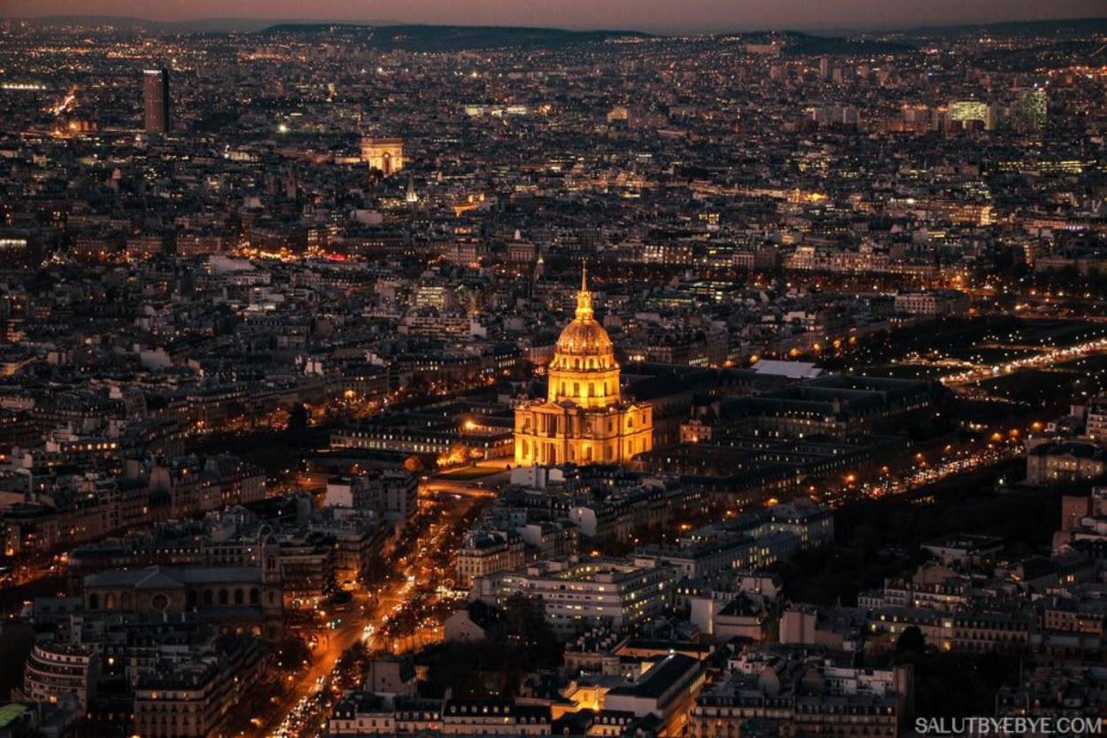 Vue sur Paris de nuit depuis la Tour Montparnasse