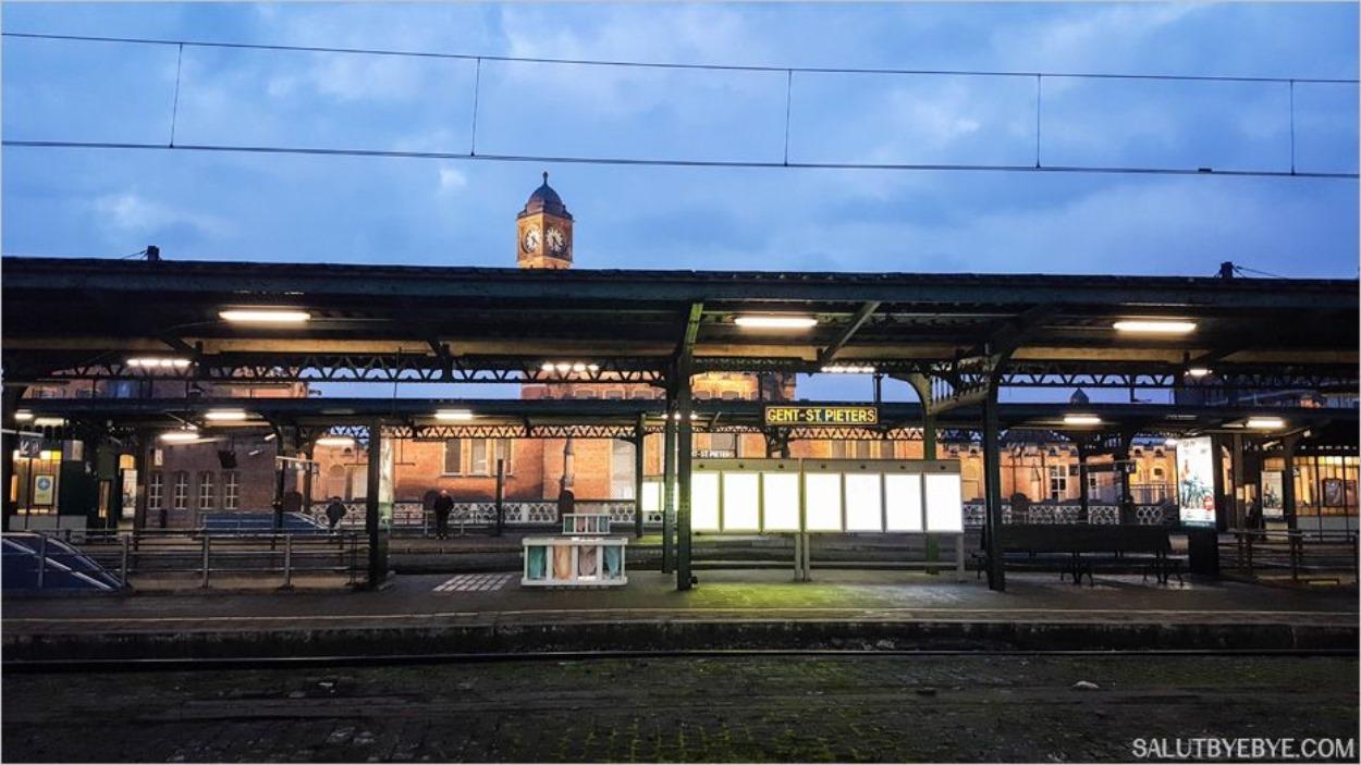 Gare Gent Sint Pieters à Gand en Belgique