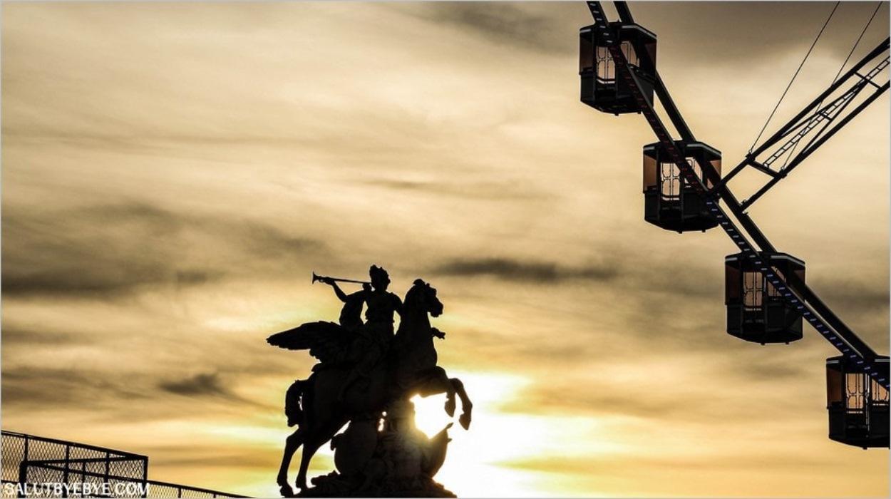La Grande Roue de Paris au coucher du soleil