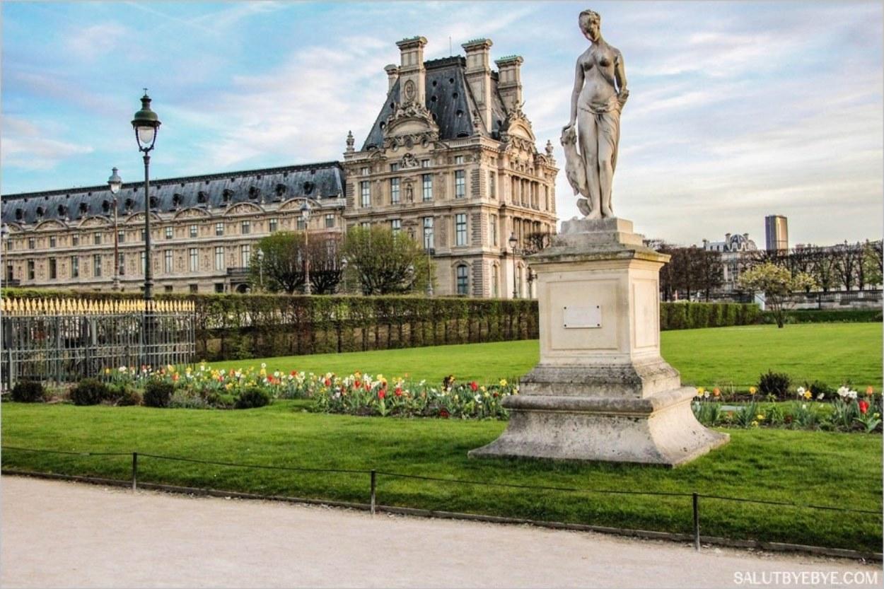 Explorons le palais du louvre et le jardin des tuileries for Au jardin des tuileries