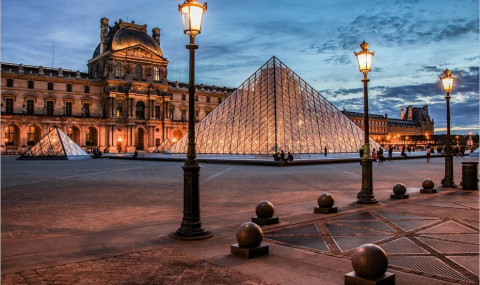 Explorons le Palais du Louvre et le Jardin des Tuileries au coucher du soleil