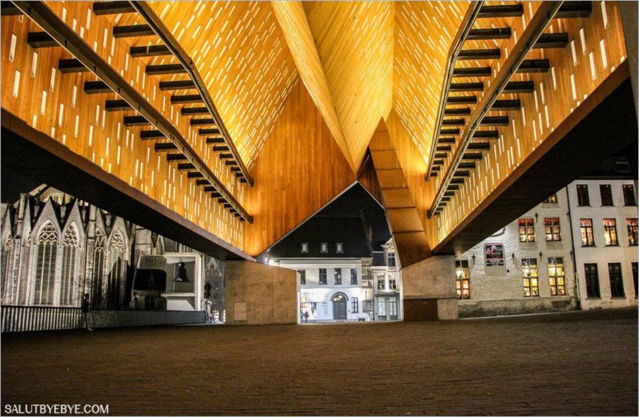 Halle Municipale de Gand en Belgique