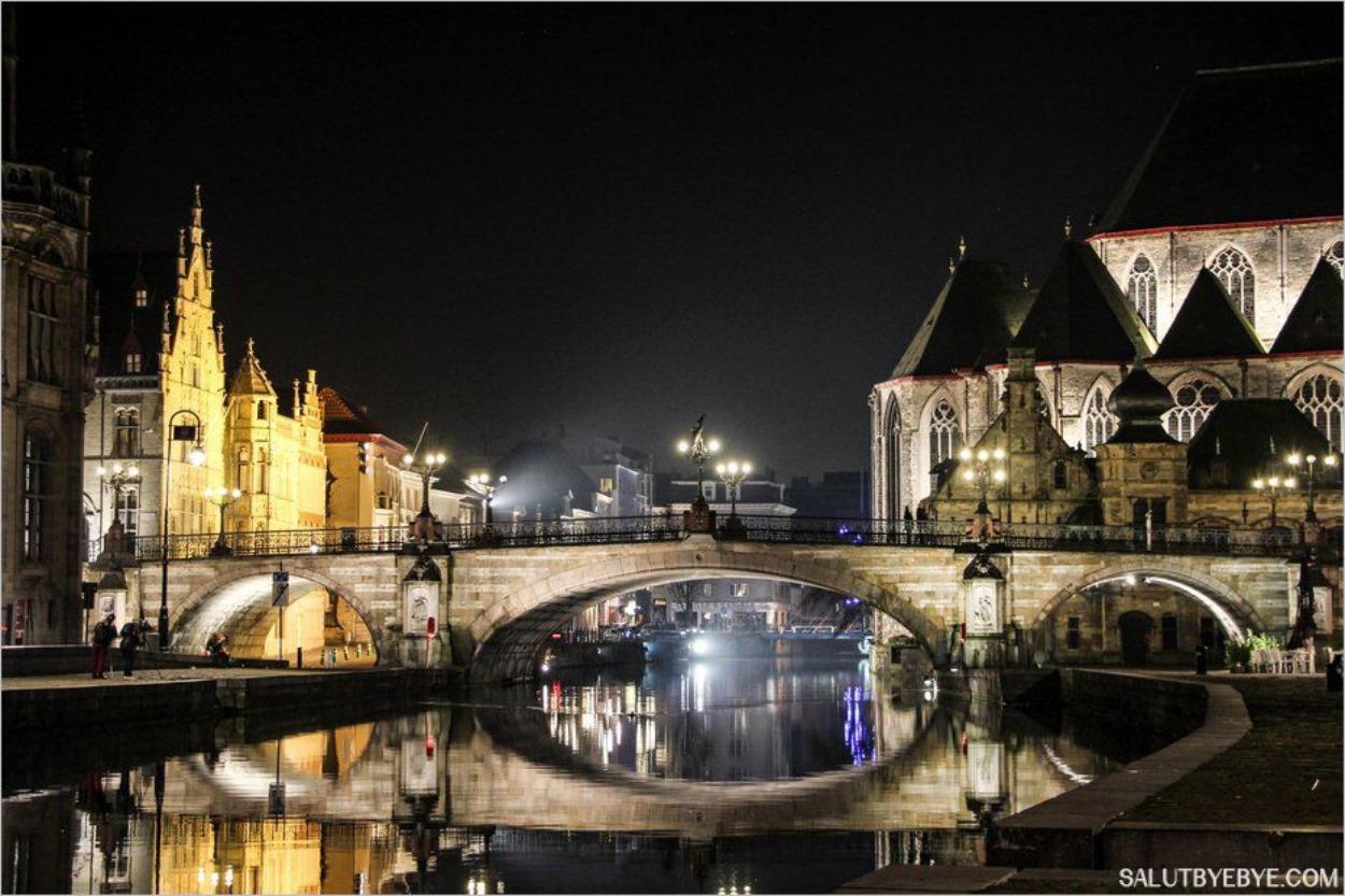 Le Pont Saint Michel avec, à droite, l'église Saint-Michel