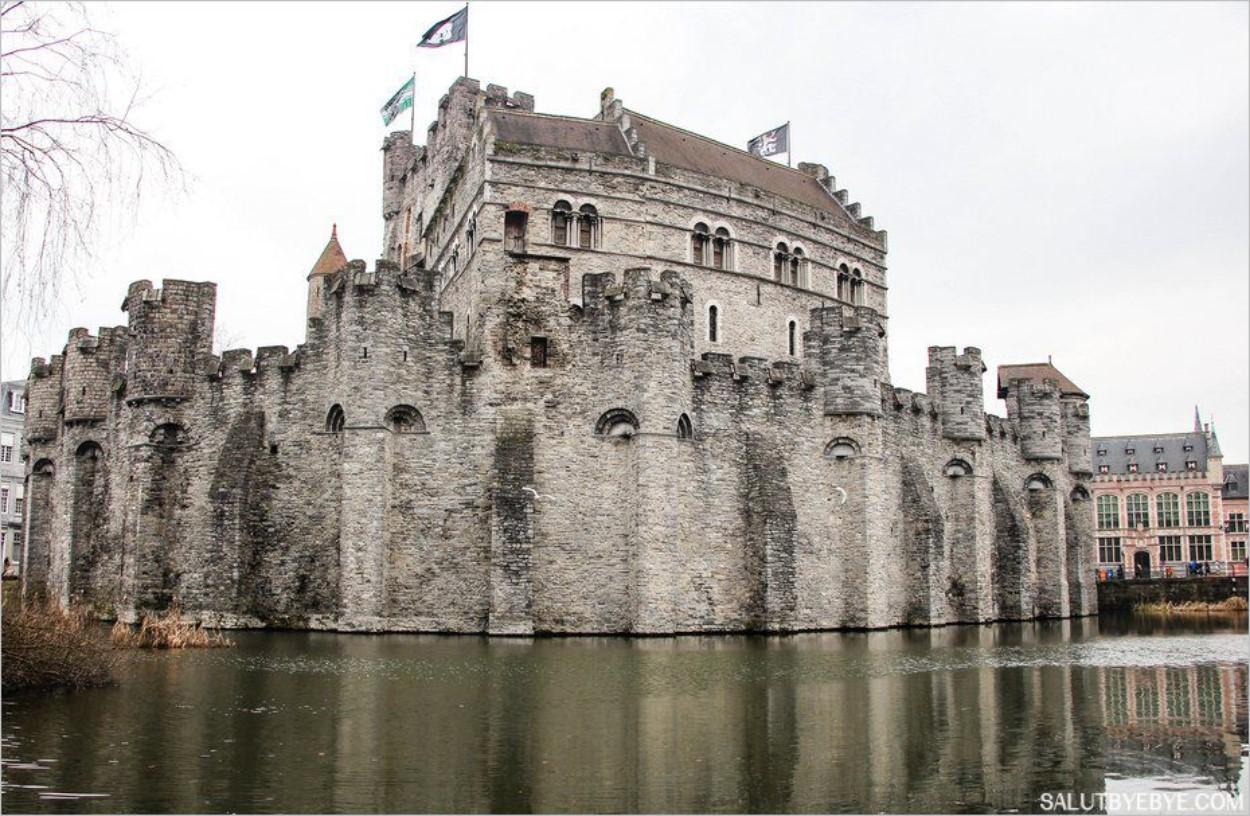 Le château des comtes de Flandre dans son ensemble