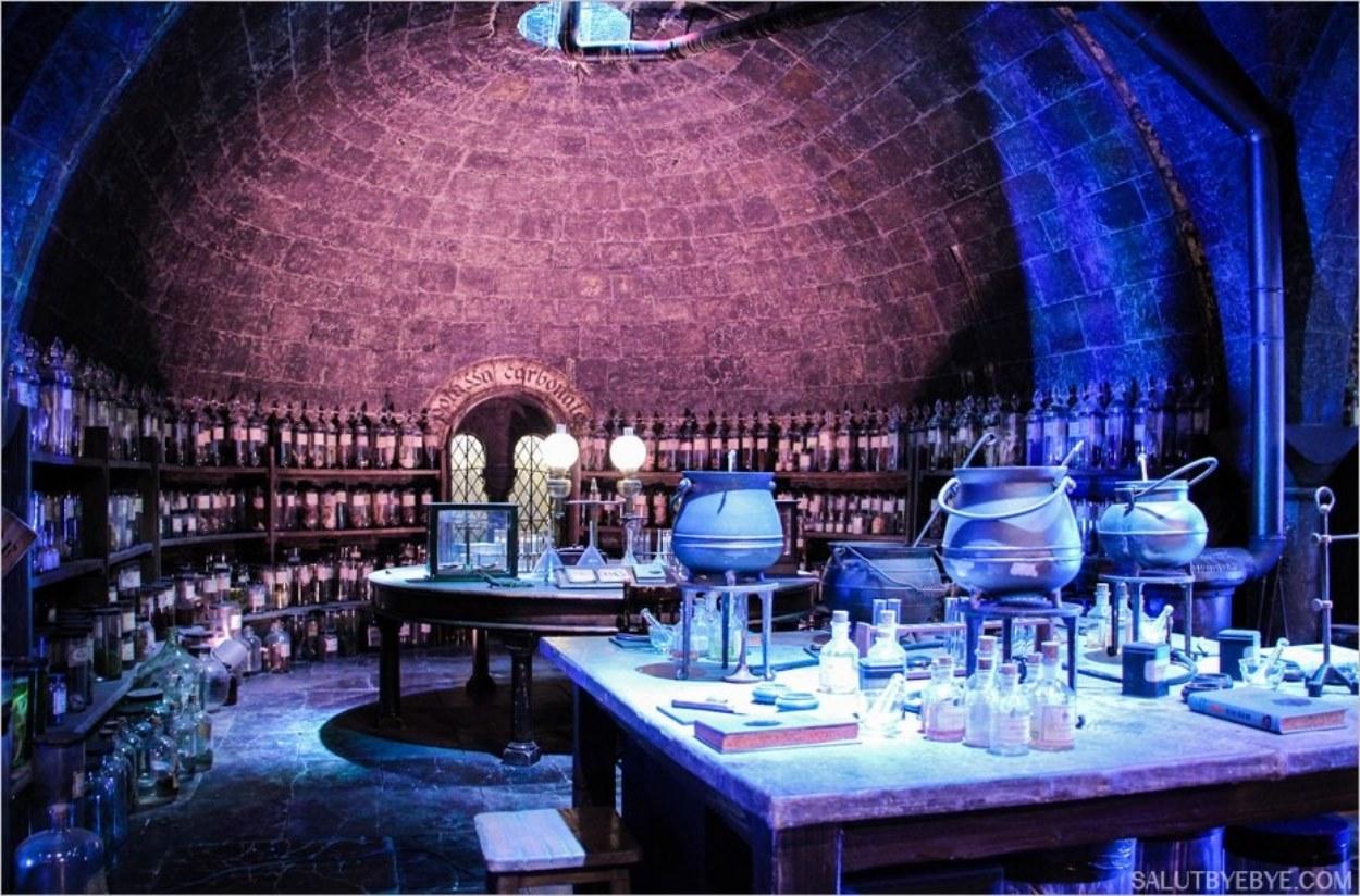Prenez place dans la classe de Potions de Poudlard !