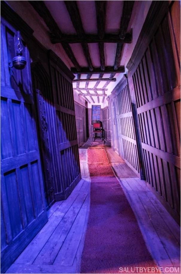 Dans les couloirs du Chaudron Baveur au Warner Bros Studio Tour