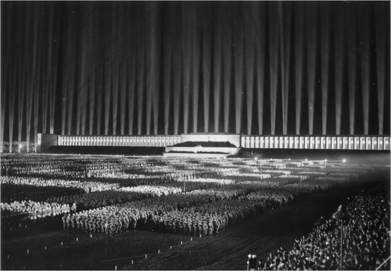 La cathédrale lumineuse imaginée par Speer à Nuremberg