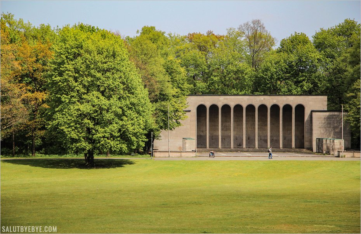 Ehrenhalle et Luitpoldarena à Nuremberg