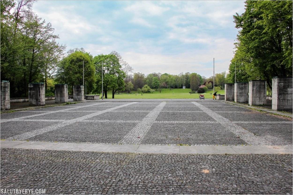 L'esplanade de l'Ehrenhalle aujourd'hui