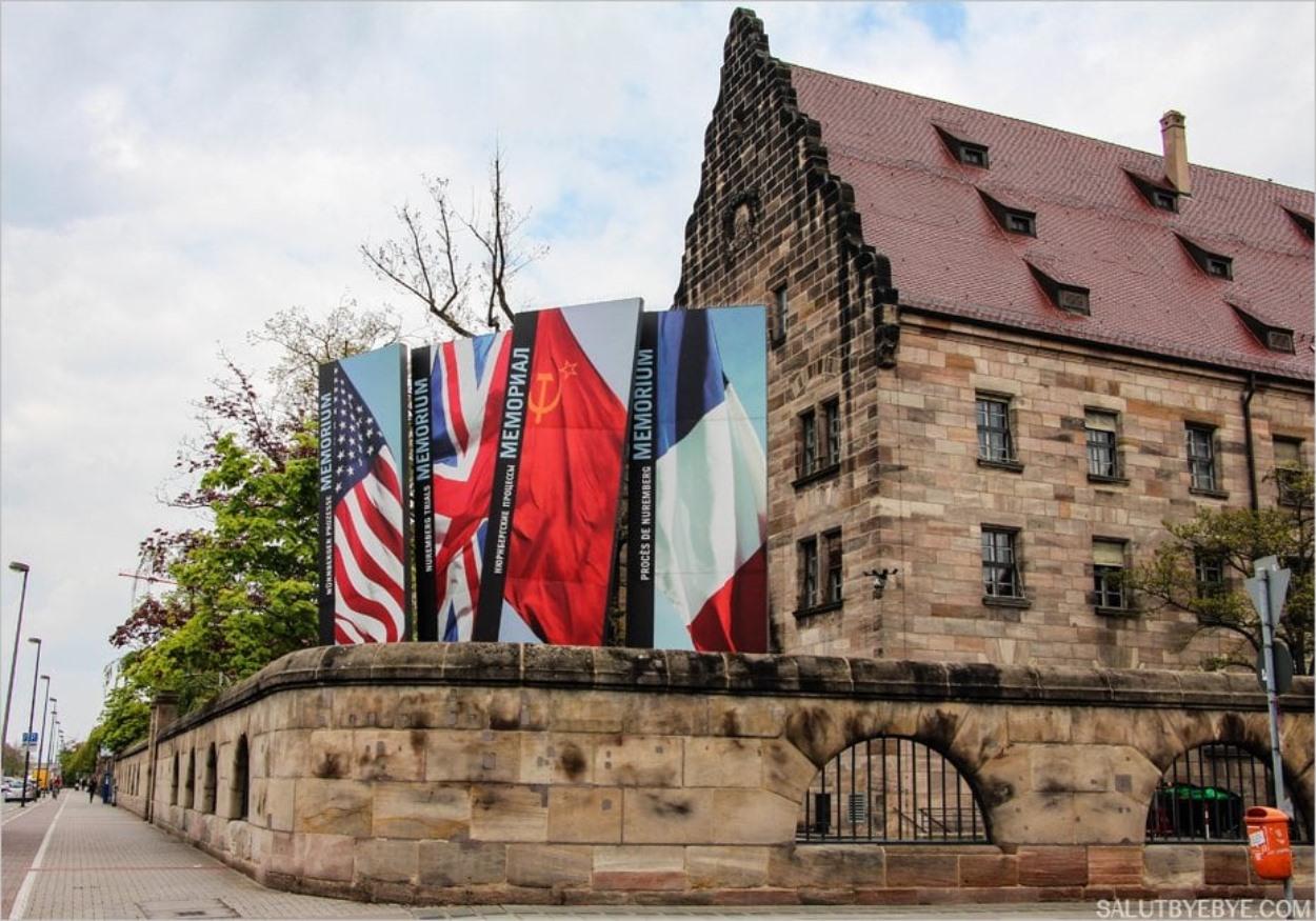 L'accès au mémorial, le Memorium Nürnberger Prozesse