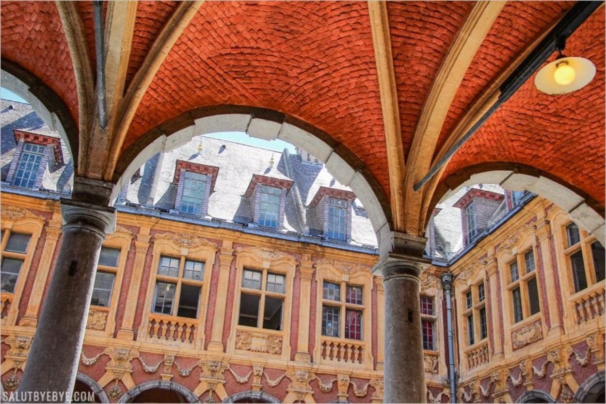 La galerie de la Vieille Bourse de Lille