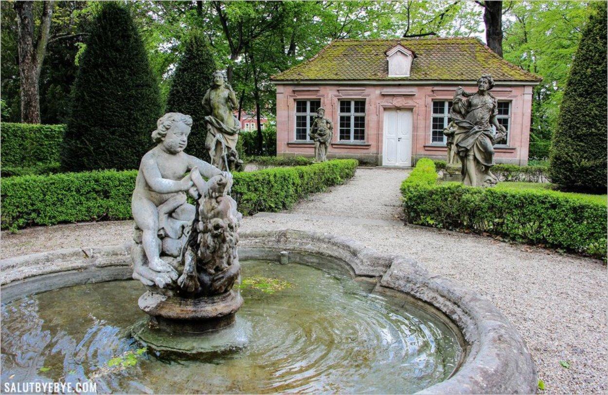 La fontaine centrale du Barockgarten de Nuremberg