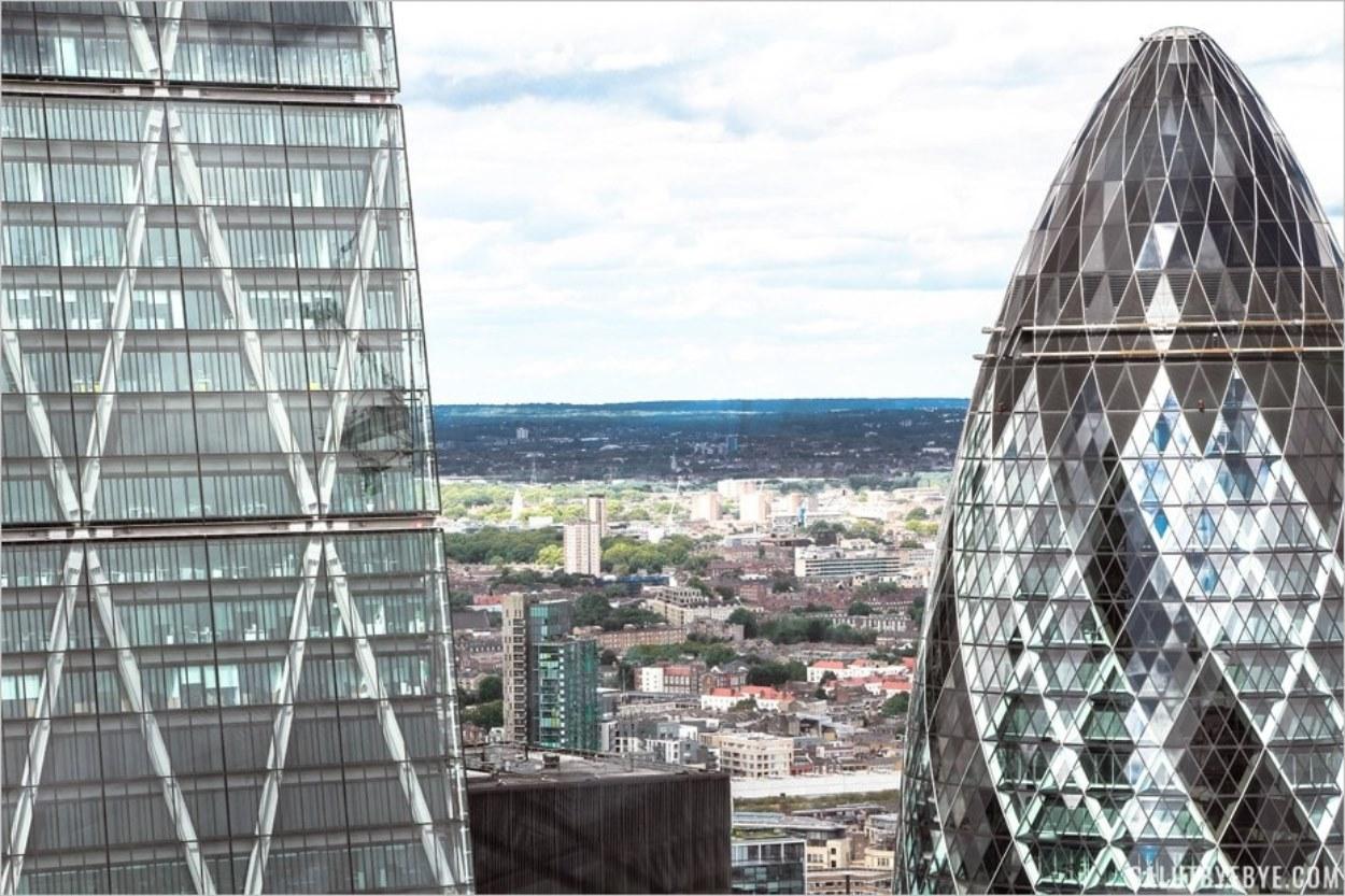 Le Gherkin vu depuis le Sky Garden à Londres