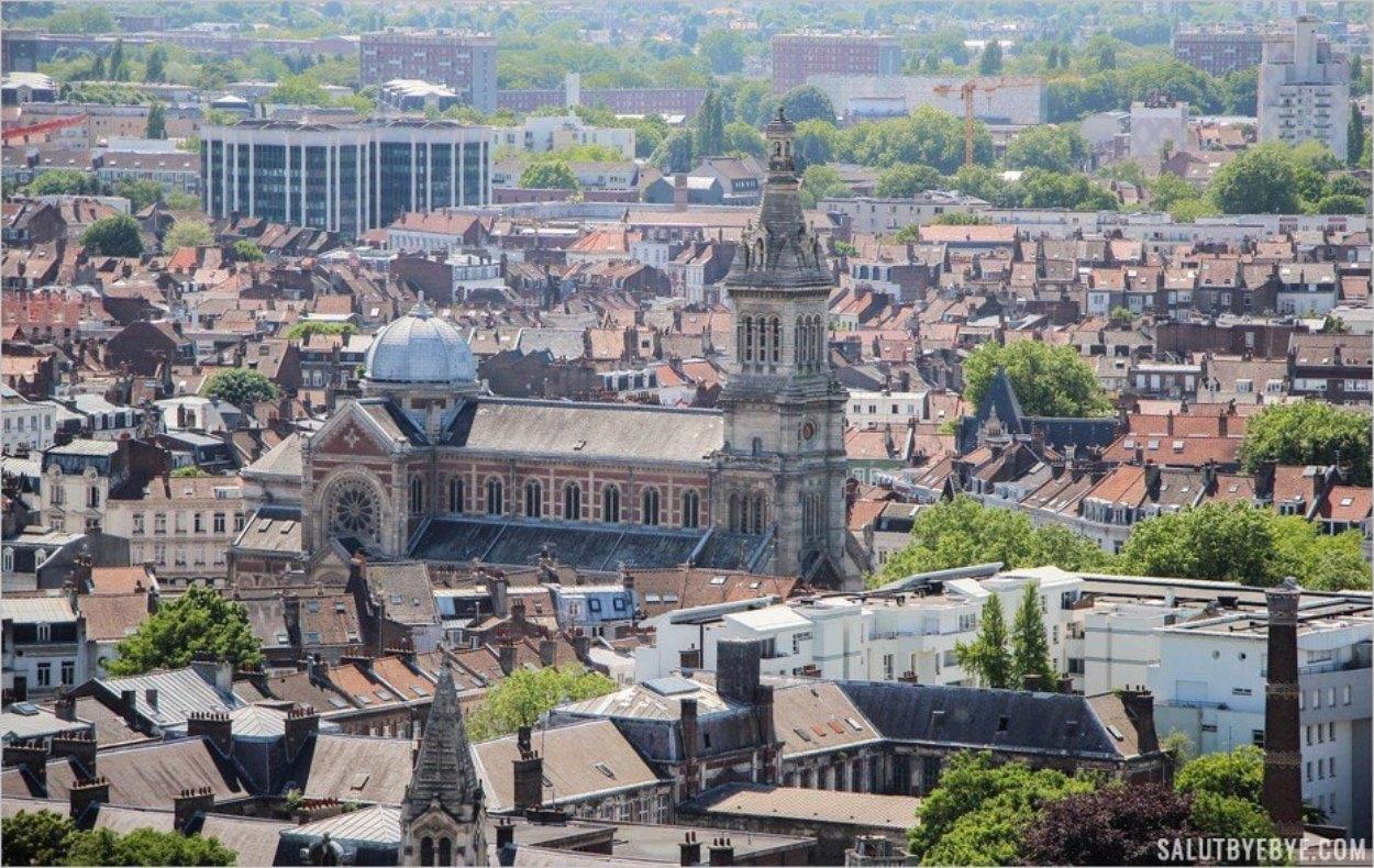 L'Eglise Saint-Michel à Lille vue depuis le beffroi