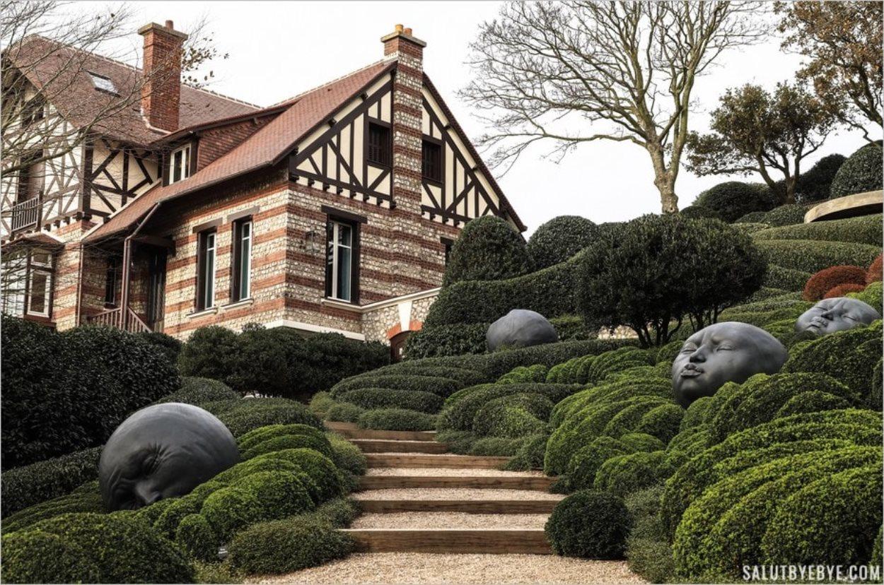 La Villa Roxelane vue depuis le Jardin des Emotions