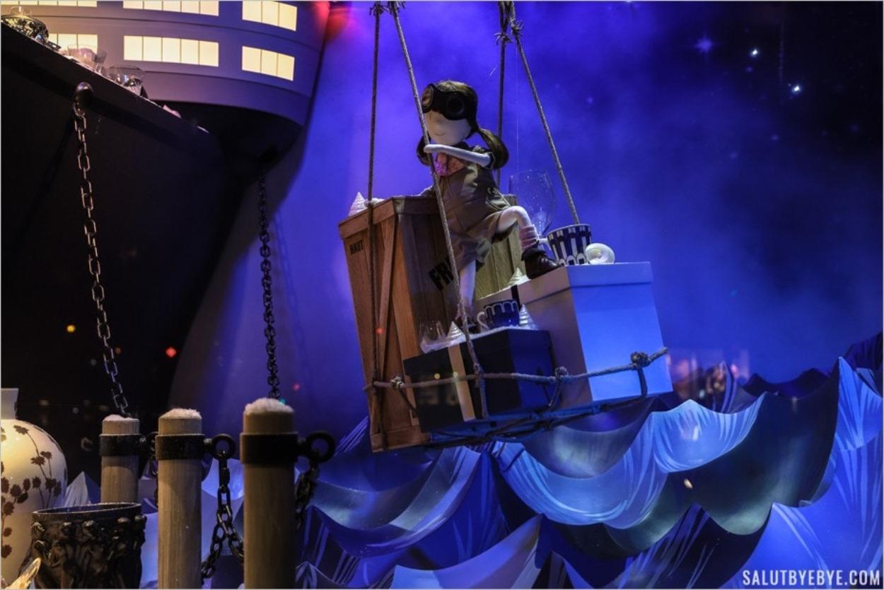 Vitrines de Noël - Violette et son bateau