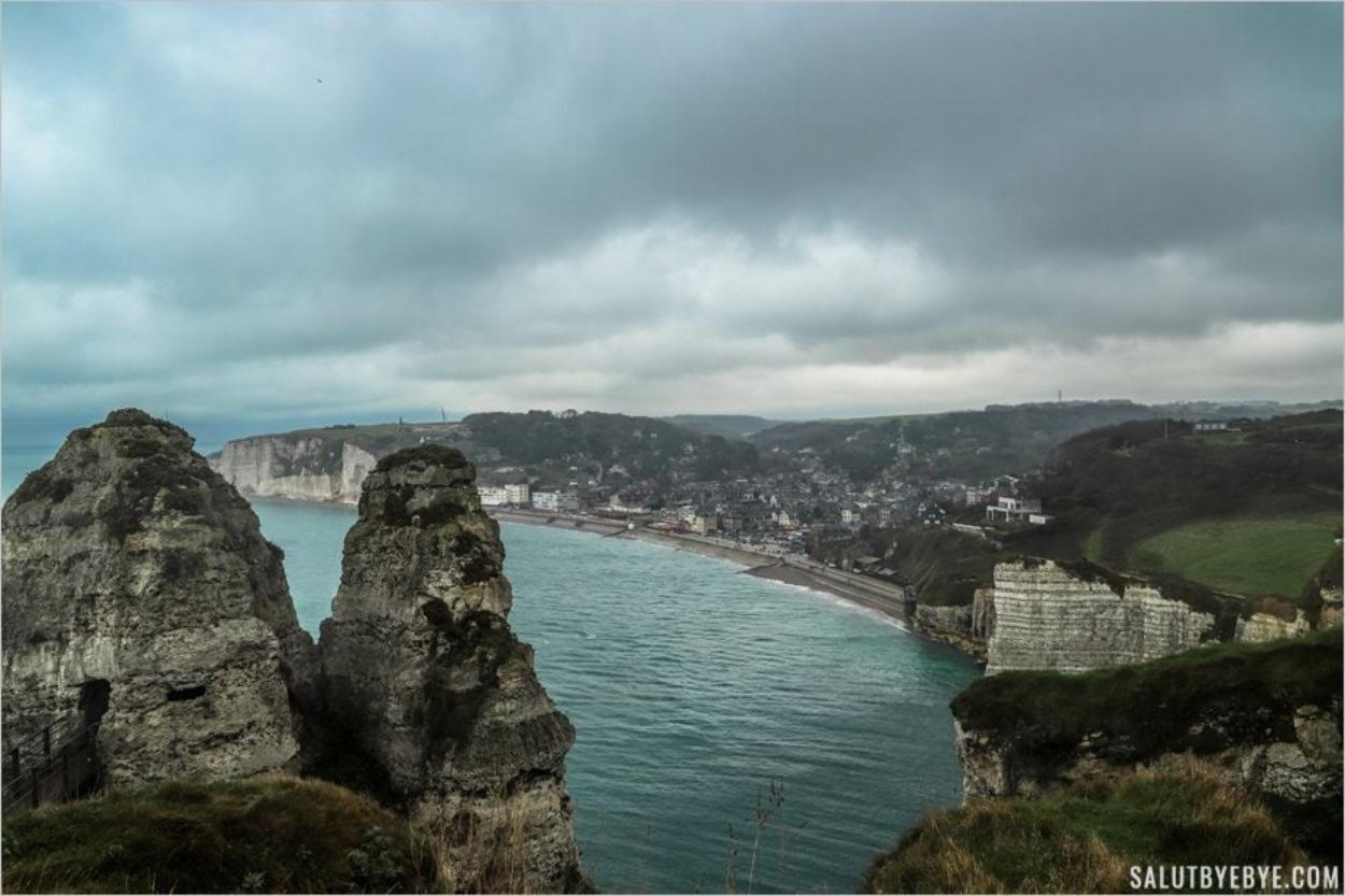 Etretat vue depuis la falaise d'Aval