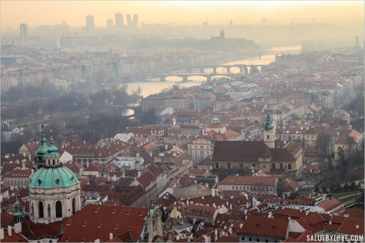 Vue depuis la cathédrale Saint-Guy de Prague