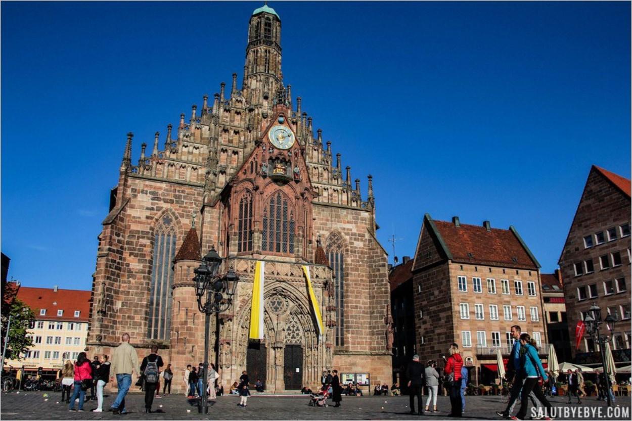 La Frauenkirche sur le Hautpmarkt à Nuremberg